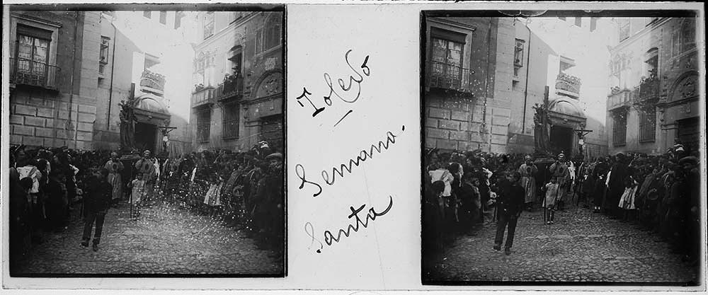 Procesión de Semana Santa en Toledo hacia 1915. Fotografía de H.B. © Fototeca de Instituto del Patrimonio Cultural de España (IPCE), signatura HB-0044_P
