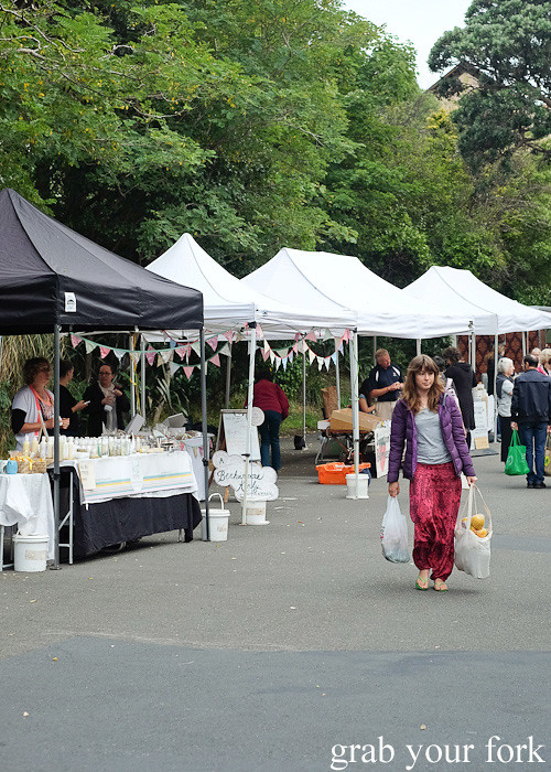 Shopping at Thorndon Farmers' Market, Wellington