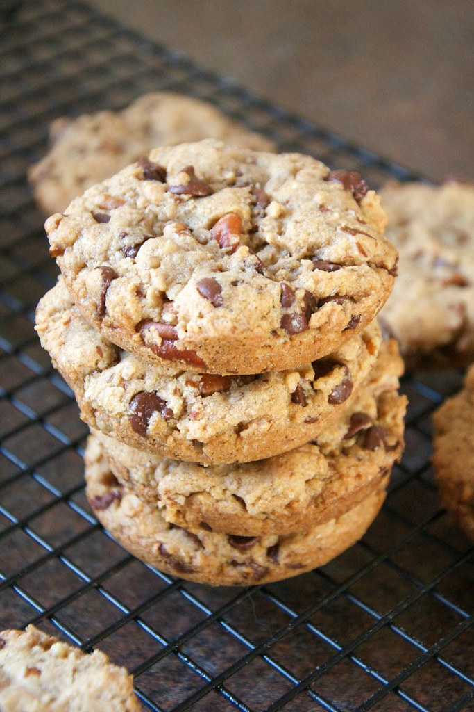 Maple Pecan Oatmeal Chocolate Chippers