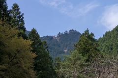 ケーブルカー御岳山駅を望む