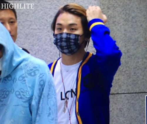 BIGBANG arrival ICN Seoul from Taiwan 2015-09-28 (16)