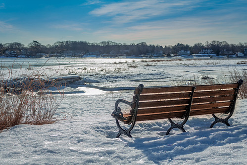 winter bench by Eddy, via I {heart} Rhody