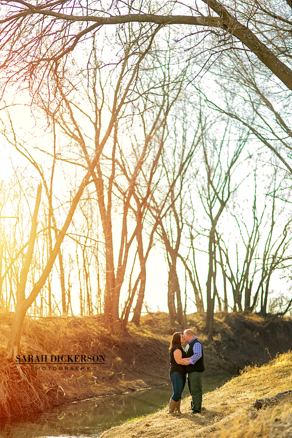 Parkville Missouri engagement photos