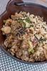 Yakimeshi de pulpo y tortilla con cebolla japnesa y verduritas