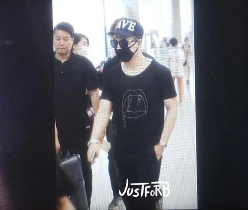 YB Dae GD departure Seoul to Bangkok 2015-07-10 017