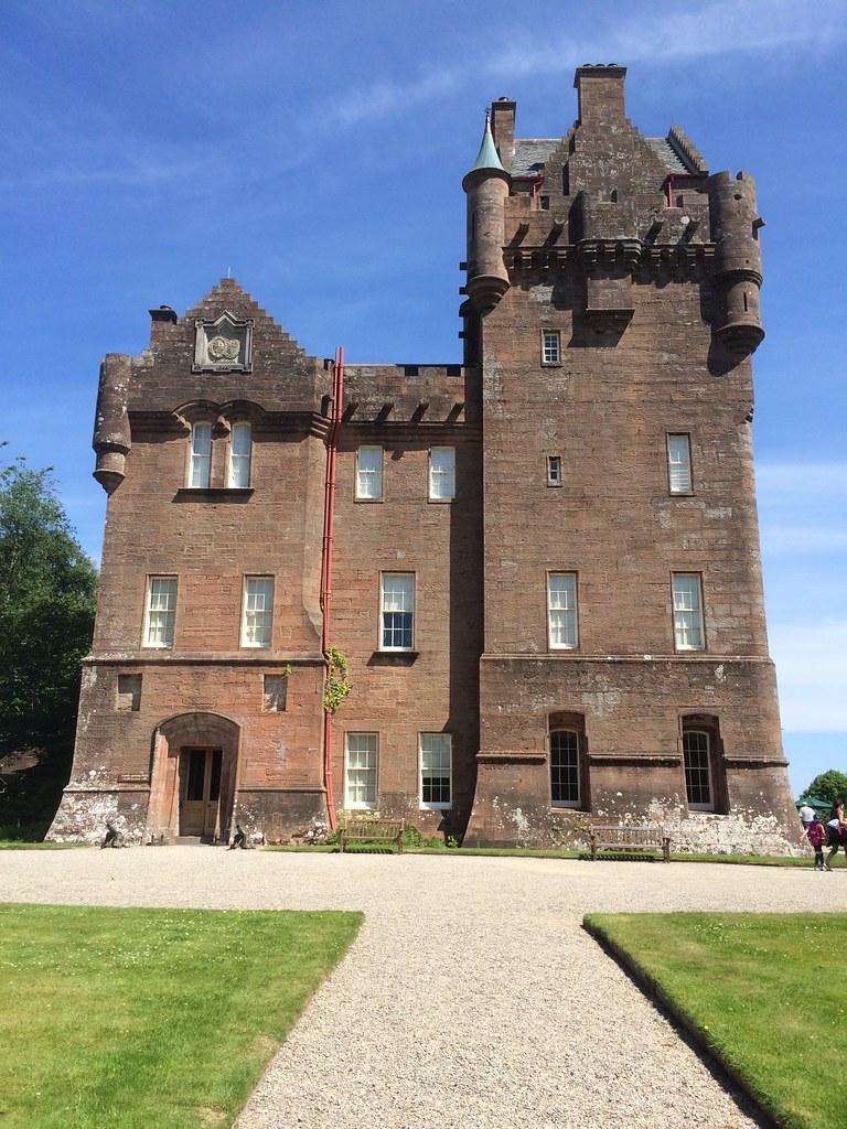 Broddick Castle 17