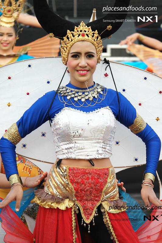 satun kite festival performance