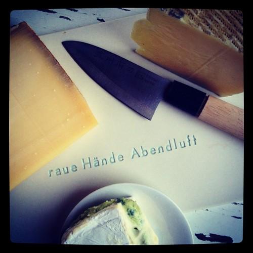 schweizer nachhut #manchego #gruyère #käse #glückzumessen #instafood #abendluft #wiedersehensfreude