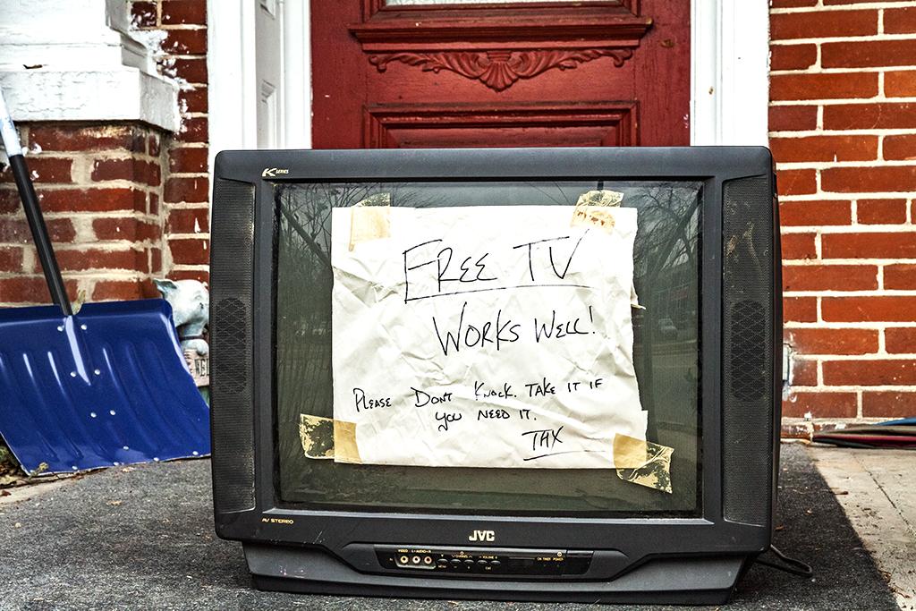 Free-TV-at-West-and-Walnut--Carlisle