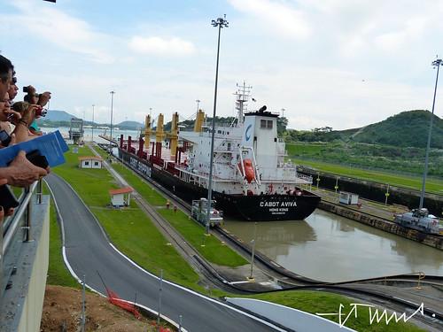 Panamá Canal at the sluice of Miraflores, Panama