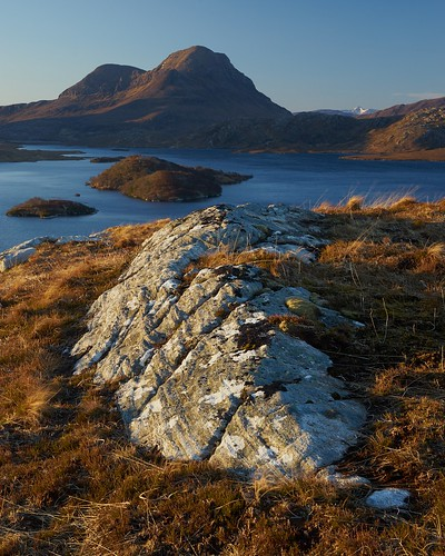 uk light mountain rock sunrise landscape islands scotland highlands scenery view northwest none sony hill cul loch fe a7 corbett schottland ecosse beag inverpollaidh sionasgaig