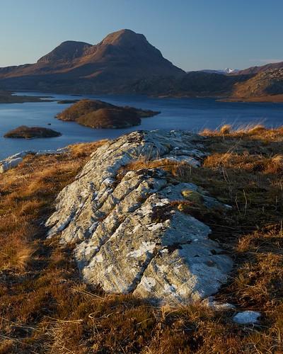 uk light mountain rock sunrise landscape islands scotland highlands scenery view northwest none sony hill cul loch fe a7 corbett schottland ecosse beag inverpollaidh sionasgaig