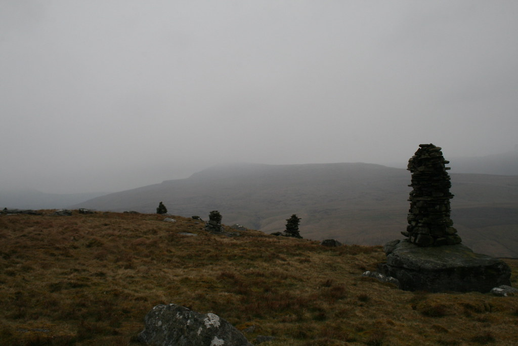Cairns on Great Knoutberry Hill