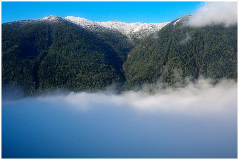 1白色雲河