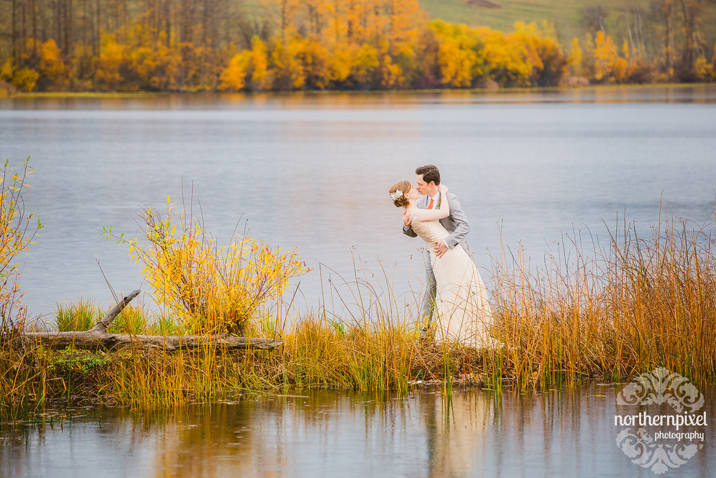 Lakeside Wedding Photos at the Round Lake Hall