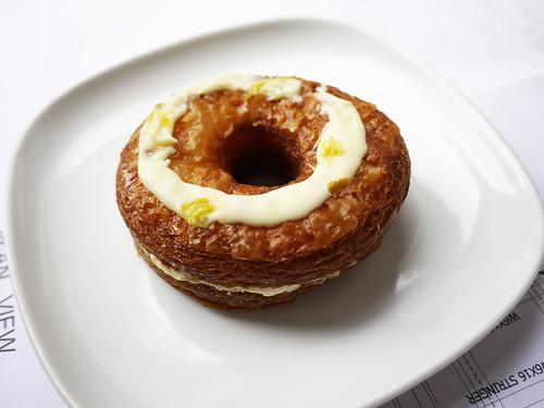 04-14 croissant donut
