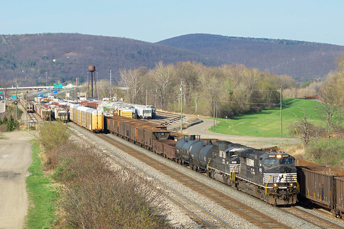 usa newyork tower water electric yard train unitedstates general gare ns main norfolk gang line southern locomotive ge mills tier cour subdivision mainline 8926 paintedpost triage c409w 12t d940cw
