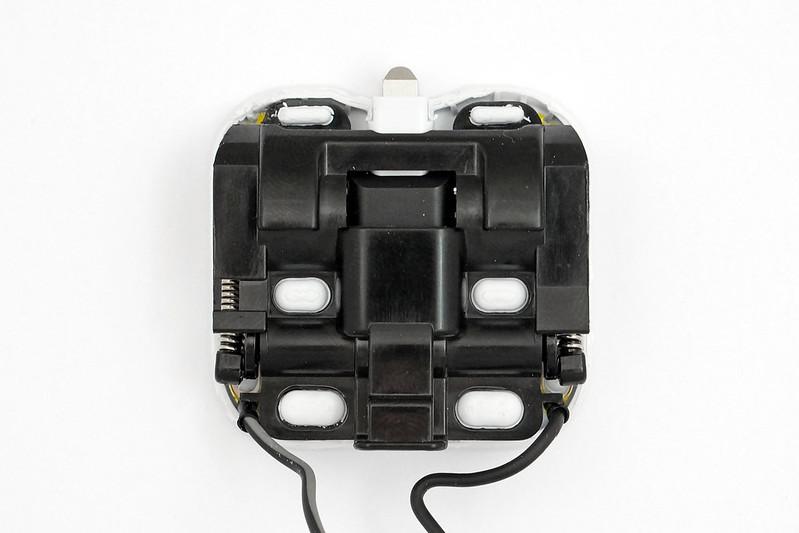 apple-folding-uk-charger-folding-mech