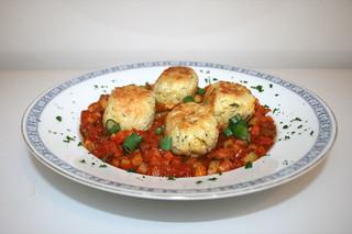 52 - Rice balls on ratatouille - Side view / Reisbällchen auf Ratatouillegemüse - Seitenansicht