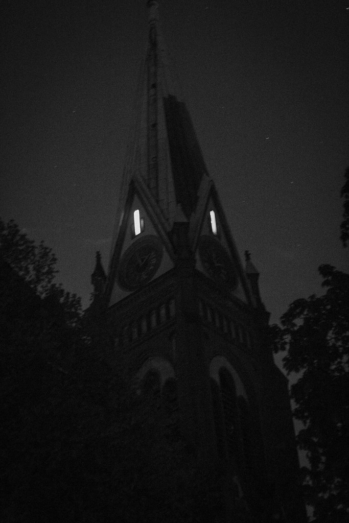 01.05.2015 The church is watching you