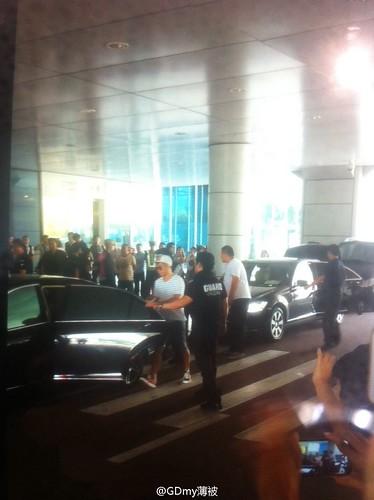 more BIGBANG arrival Shenzhen 2015-08-07 (53)