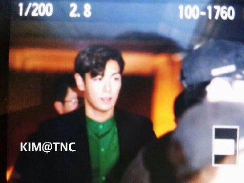 TOP-stagegreeting-premiere-HongKong-20140927_(13)