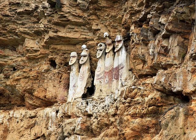 Sarcófagos de Karajía, Perú