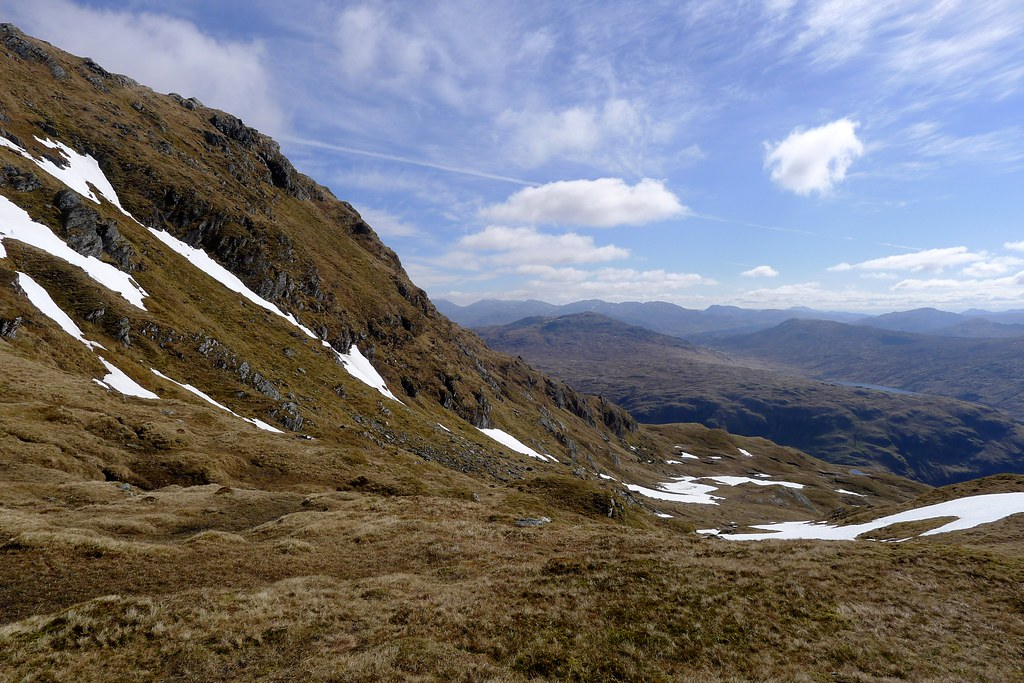 Below the east top of Beinn Bhuidhe