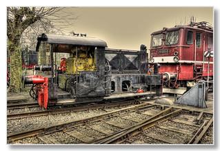 Bochum - Eisenbahnmuseum Dahlhausen Rangierarbeit auf der Drehscheibe mit E-Lok 211 001-03 02