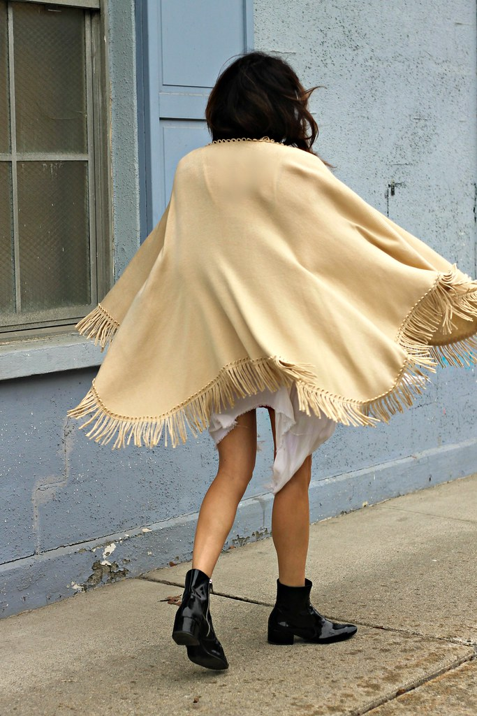 IMG_0867, fringe shawl, fringe, fringe cape