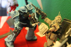 HGUC Gouf Custom vs Gundam EZ8