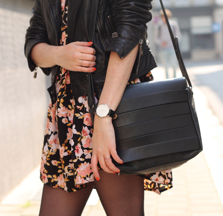 outfit: 90s grunge in floral babydoll, leather jacket and daniel wellington watch