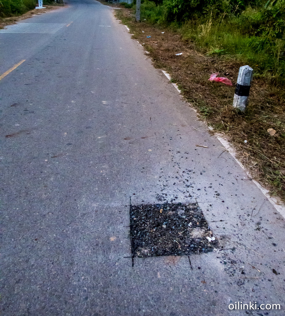 The first sign of a road getting a fixed is square holes one the ground. These holes are approximately 30x30 cm (1 sqf) area. In Ao Por case, these holes appeared on the road about 3 months before the road works started.