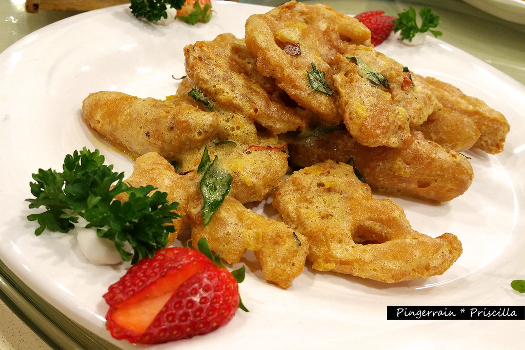 Deep fried pumpkin and lotus root with creamy salted egg sauce