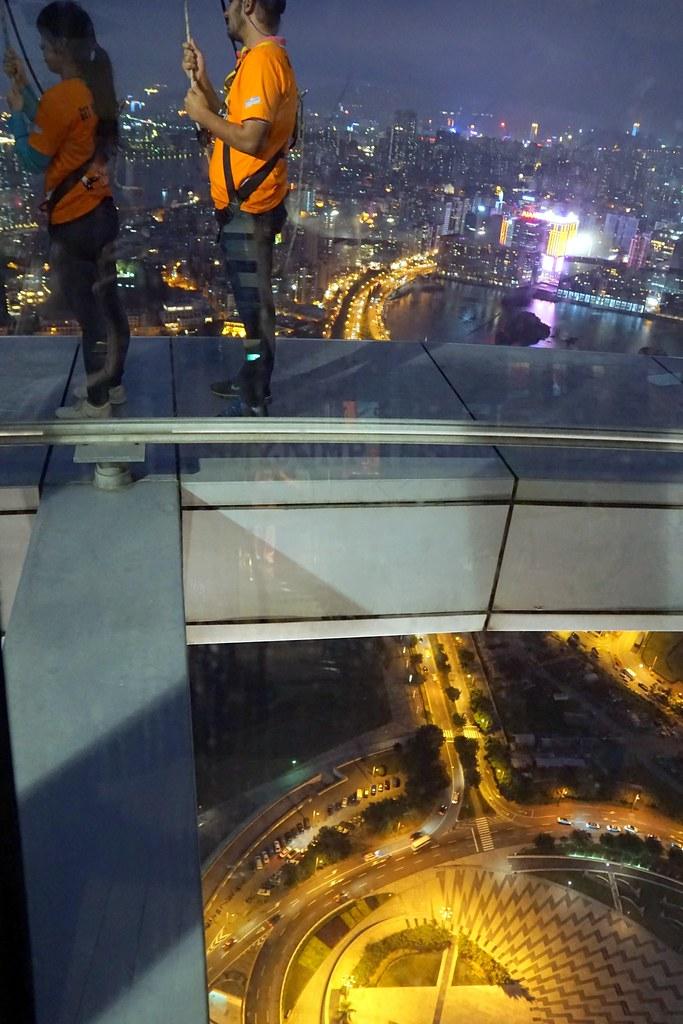 Macau Tower - sightseeing - bungee jumping-003