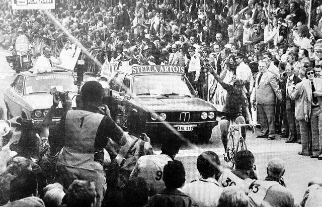 1975 YVOIR Here Comes Hennie, Canon IXUS 180