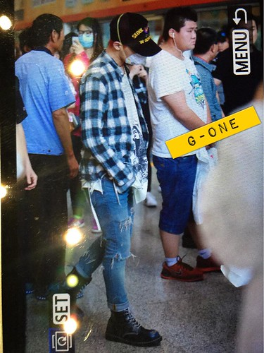 Big Bang - Beijing Airport - 05jun2015 - G-Dragon - G-One - 03