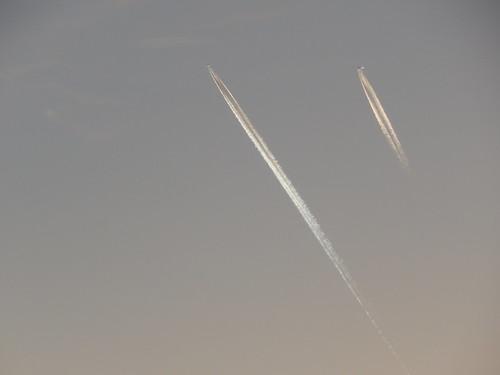 самолеты близко