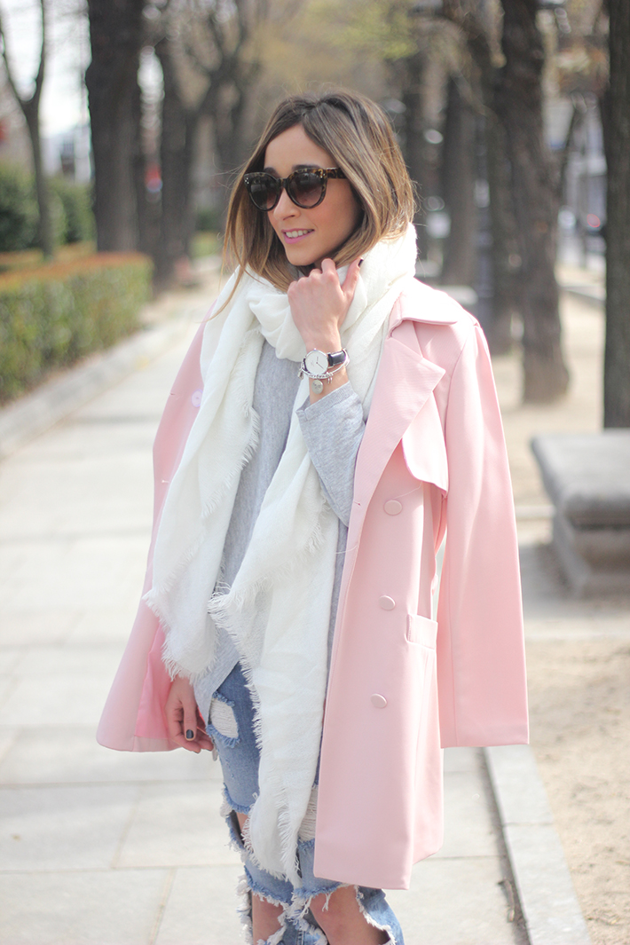 Pink trench & Ripped Jeans08