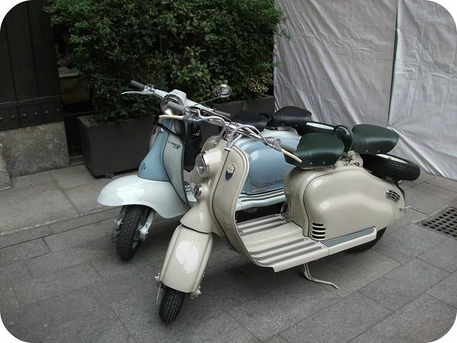 Mopeds in Milan