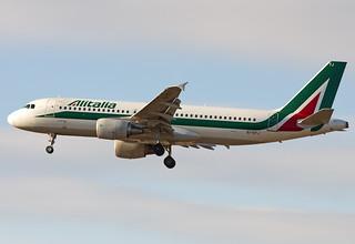 "EI-DTJ Alitalia Airbus A320-216 ""Giovanni Pascoli"""
