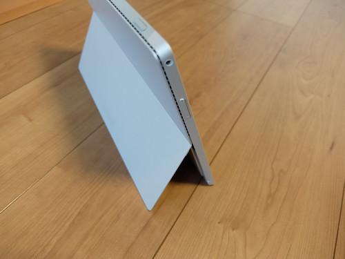 Surface Pro 3本体を裏側からチェック