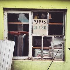 Bonita ventana provinciana. Antilhue, Región de Los Ríos, Chile.
