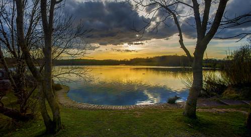 uk sunset sky cloud sun lake reflection water wales canon eos britain cymru cardiff vale explore caerdydd glamorgan 5d sully quarry reclaimed cosmeston canoneos5d explored cosmestonlake wentloog stevegarrington