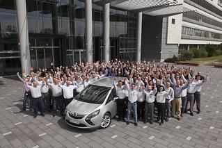 Opel feiert mit GM – 500 Millionen Mal Dankeschön