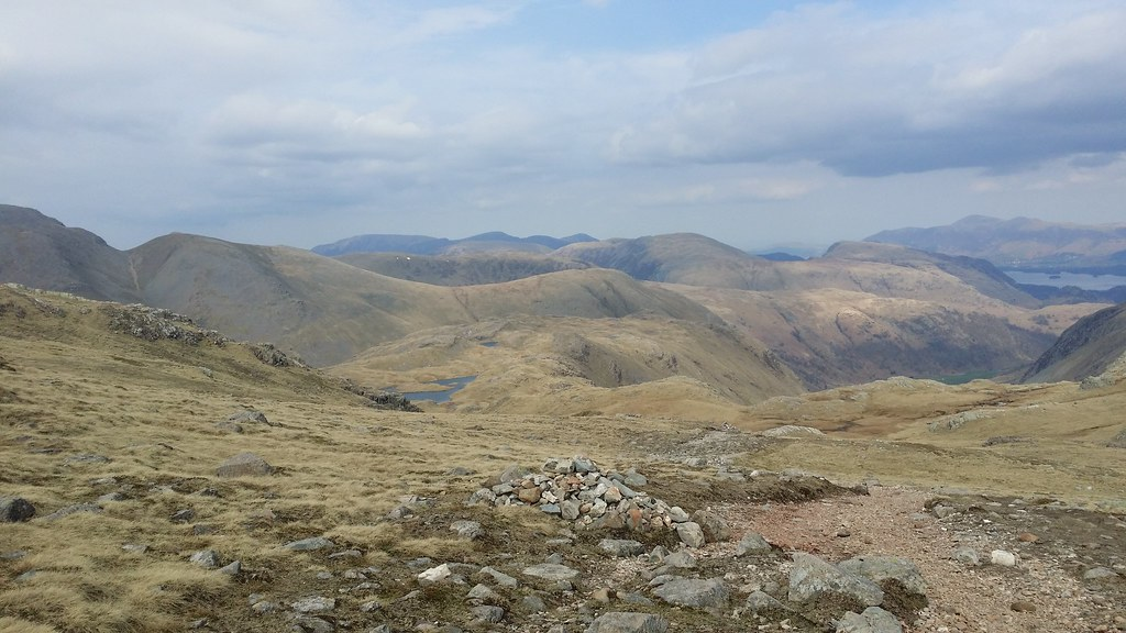 Looking down to Seathwaite Fell #sh