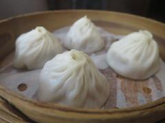 dim sum food, nikuman, mongolian food, siopao, cha siu bao, xiaolongbao, mandu, baozi, momo, pelmeni, food, dish, dumpling, jiaozi, buuz, khinkali, cuisine,