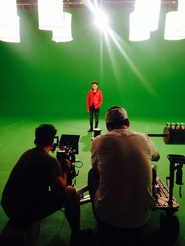 G-Dragon - Tower of Saviors - 2014 - BTS - 18