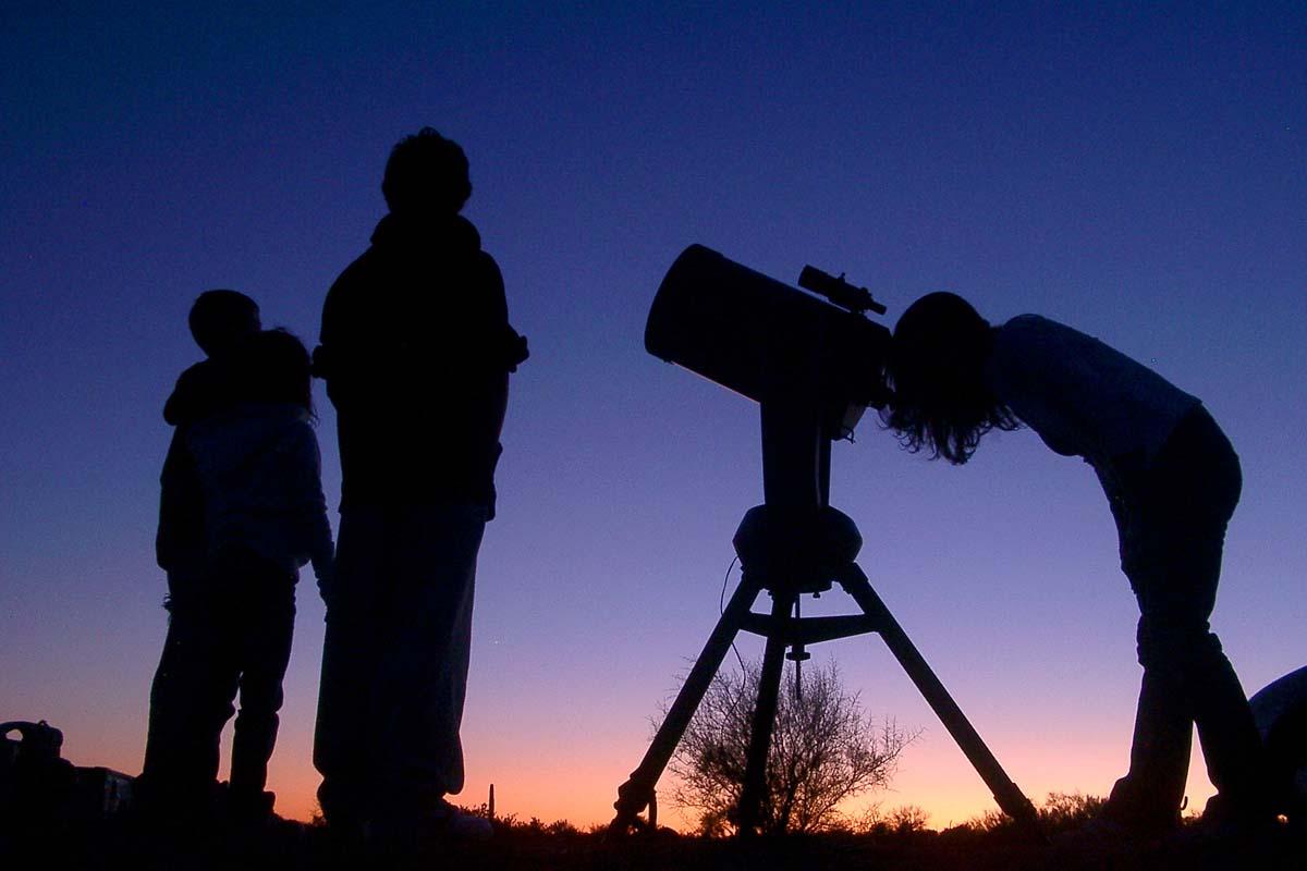 天体望遠鏡による星空観測