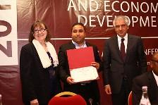 Walid Mensi (Best Paper Award)